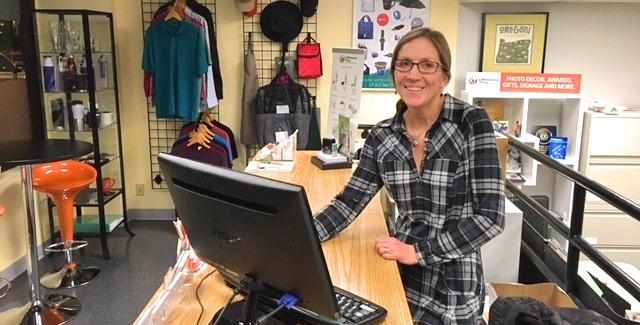 U.S. Army National Guard Veteran and Minuteman Press franchise co-owner Becky Cude, Portland, Oregon. http://www.minutemanpressfranchise.com