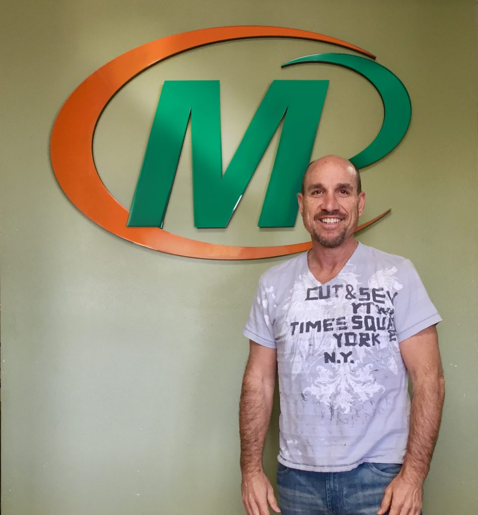 Garth Sanders owns the Minuteman Press franchise in Woodland Hills, CA along with his brother Craig. http://www.minutemanpressfranchise.com